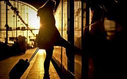 Eisenbahn-Romantik - Diesellok statt Dromedar - mit dem Wüstenzug in Tunesiens Süden