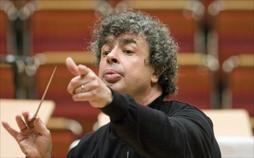 Semyon Bychkov dirigiert das NDR Sinfonieorchester