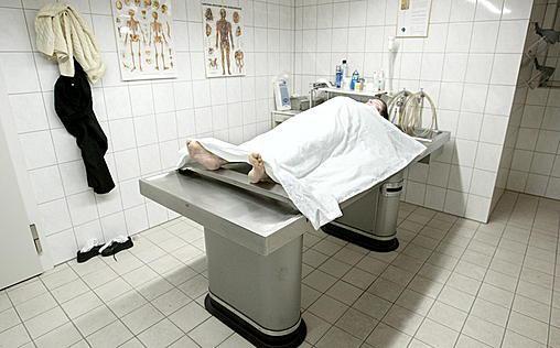Autopsie - Mysteriöse Todesfälle   Mit aller Gewalt / June, wo bist du? / Grausames Spiel